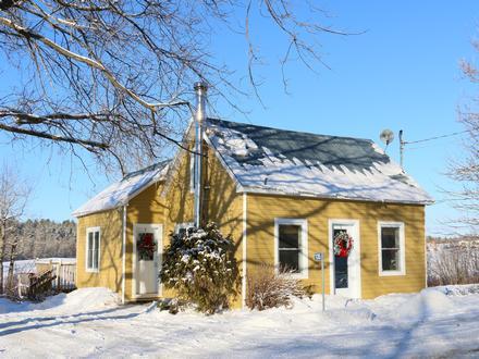 Maison a louer pour stunning chalets louer bord de leau - Recherche petite maison a louer avec jardin ...